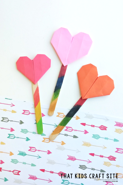 Origami Heart Bookmark Craft for Kids - an Easy DIY Bookmark for Tweens and Teens - ThatKidsCraftSite.com