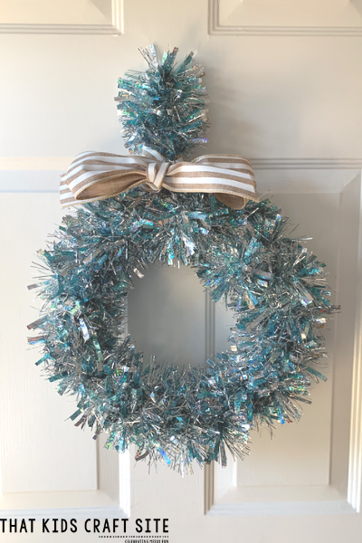 Winter Wreath Craft for Tweens and Teens - ThatKidsCraftSite.com