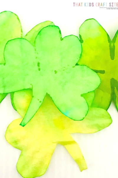 Preschool St Patrick's Day Craft - Coffee Filter Shamrock Craft for Kids - ThatKidsCraftSite.com