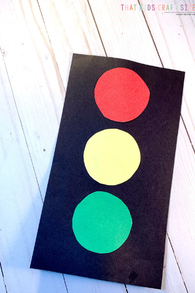 Preschool Traffic Light Craft for Kids - ThatKidsCraftSite.com