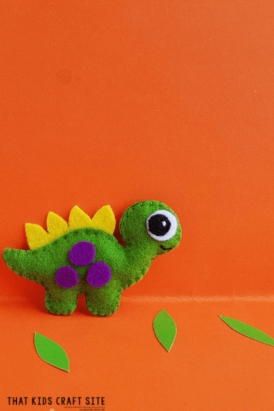Felt Dinosaur Sewing Project for Boys - ThatKidsCraftSite.com